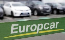 Логотип Europcar, Мериньяк, 15 июня 2015 года. Французская компания Europcar, предоставляющая автомобили в аренду, провела IPO по 12,25 евро, её капитализация оценена в 1,75 миллиарда евро. REUTERS/Regis Duvignau