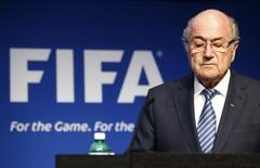 FIFA President Sepp Blatter pauses during a news conference at the FIFA headquarters in Zurich, Switzerland, June 2, 2015.   REUTERS/Ruben Sprich