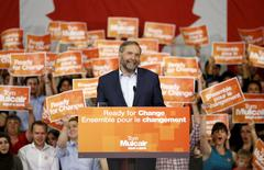 New Democratic Party (NDP) leader Thomas Mulcair reacts to applause during a rally in Ottawa, Canada, June 17, 2015. REUTERS/Chris Wattie