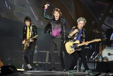 "British veteran rockers The Rolling Stones lead singer Mick Jagger performs in front of bandmates Ron Wood (L) and Keith Richards during a concert on their North American ""Zip Code"" tour in Nashville, Tennessee June 17, 2015. REUTERS/Ron Modra"