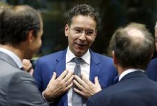 Les ministres des Finances de la zone euro réunis samedi pour examiner les dernières propositions du gouvernement grec et l'évaluation qu'en ont faite les créanciers n'auront peut-être pas le temps de se pencher sur la question délicate de la restructuration de la dette grecque, a déclaré le président de l'Eurogroupe, Jeroen Dijsselbloem. /Photo prise le 11 juillet 2015/REUTERS/François Lenoir