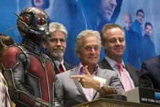 """Michael Douglas participa de evento sobre """"Homem-Formiga"""" em Nova York.  13/7/2015.  REUTERS/Lucas Jackson"""