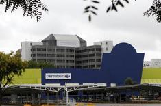 Filial do Carrefour em São Paulo.    24/12/2013   REUTERS/Paulo Whitaker