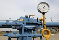 Датчик давления на газокомпрессорной станции в Вельке-Капушаны на словацко-украинской границе. 2 сентября 2014 года. Украина, отказавшаяся от закупки газа в России, увеличит с 21 июля примерно на 41 процент импорт из Словакии, чтобы активизировать закачку топлива в подземные хранилища для холодного сезона, сообщил пресс-секретарь украинской газотранспортной монополии Укртрансгаз. REUTERS/David W Cerny