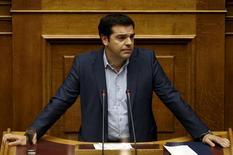 Primeiro-ministro grego, Alexis Tsipras, durante sessão parlamentar, em Atenas.  22/07/2015    REUTERS/Yiannis Kourtoglou