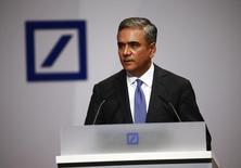 Anshu Jain, co-CEOs of Deutsche Bank, addresses the bank's annual general meeting in Frankfurt, Germany, May 21, 2015. REUTERS/Kai Pfaffenbach/Files