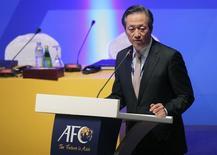 South Korean FIFA vice president Chung Mong-Joon talks during the 24th Asian Football Confederation (AFC) congress in Doha January 6, 2011.  REUTERS/Fadi Al-Assaad