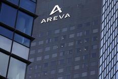 EDF et Areva ont dévoilé un protocole d'accord prévoyant la cession à l'électricien public de 51% à 75% des activités réacteurs du groupe nucléaire (Areva NP) sur la base d'une valorisation de la société de 2,7 milliards d'euros. /Photo d'archives/REUTERS/Philippe Wojazer