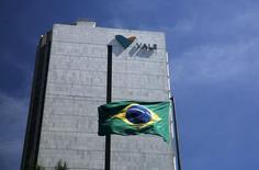 Foto de la sede de la compañía minera brasileña Vale, en el centro de Río de Janeiro, Brasil, 15 de diciembre de 2014.La minera brasileña Vale SA reportó el jueves una ganancia neta de 1.680 millones de dólares en el segundo trimestre, impulsada por una recuperación en los precios del mineral de hierro durante el período y un debilitamiento del real. REUTERS/Pilar Olivares/Files