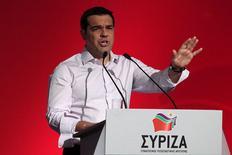 Primeiro-ministro da Grécia, Alexis Tsipras, durante discurso em comitê do partido Syriza, em Atenas.   30/07/2015  REUTERS/ Yiannis Kourtoglou