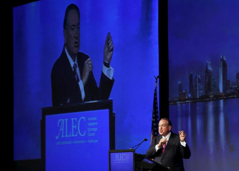 U.S. Republican presidential candidate Mike Huckabee speaks to the 42nd annual meeting of the American Legislative Exchange Council in San Diego, California July 23, 2015.  REUTERS/Mike Blake