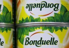 Bonduelle annonce mardi une progression supérieure à ses propres objectifs des ventes de son exercice 2014-2015, grâce aux performances de ses activités dans les légumes frais et les surgelés. /Photo d'archives/REUTERS/Régis Duvignau