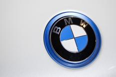 A BMW emblem is pictured at the 2015 New York International Auto Show in New York City, April 2, 2015. REUTERS/Eric Thayer