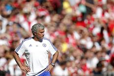Técnico do Chelsea, José Mourinho, durante partida contra o Arsenal, na Inglaterra.   02/08/2015  Action Images via Reuters / Andrew Couldridge Livepic