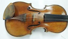 The Ames Stradivarius violin.   REUTERS/FBI