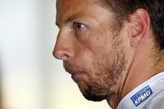 Piloto Jenson Button durante treino na Espanha.  08/05/2015  REUTERS/Albert Gea