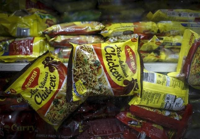 Packets of Nestle's Maggi instant noodles are seen on display at a grocery store in  Mumbai, India, June 3, 2015. REUTERS/Danish Siddiqui