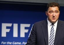 Presidente do independente comitê de auditoria e observância da Fifa, Domenico Scala, concede entrevista coletiva na sede da entidade, em Zurique, na Suíça, em junho. 02/06/2015 REUTERS/Ruben Sprich