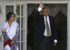 Poll victor to build Sri Lankan unity government
