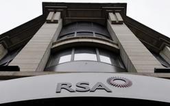 Zurich Insurance a formulé mardi une offre amicale de rachat de son concurrent britannique RSA pour 5,6 milliards de livres (7,6 milliards d'euros). /Photo d'archives/REUTERS/Toby Melville