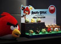 Produtos inspirados no jogo Angry Birds apresentados durante evento em Hong Kong.  03/07/2012   REUTERS/Bobby Yip