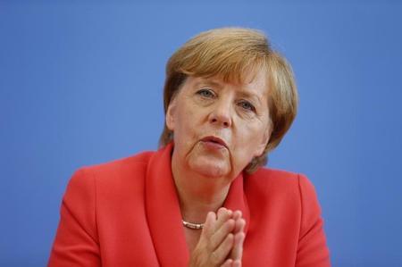 ميركل تحذر الألمان: أزمة المهاجرين لن تحل قريبا