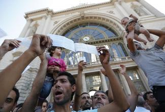 Budapest train station closed to migrants
