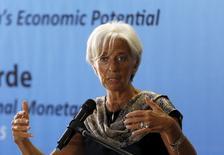 La directora gerente del Fondo Monetario Internacional, Christine Lagarde, dando un discurso en la Universidad de Indonesia, en Yakarta, 1 de septiembre de 2015. El Fondo Monetario Internacional dijo el miércoles que estaba en conversaciones con las autoridades de China sobre la relevante transición económica en el país, la que espera ocurra de manera ordenada. REUTERS/Nyimas Laula
