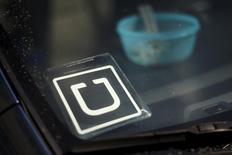 Adesivo do Uber em carro estacionado em Venice, Los Angeles. 15/07/2015. REUTERS/Lucy Nicholson