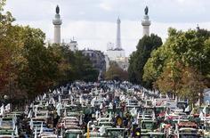 Tratores durante protesto em Paris.  03/09/2015        REUTERS/Charles Platiau