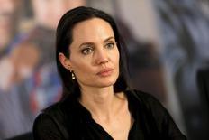 Angelina Jolie concede entrevista ao visitar refugiados sírios em cidade turca de Midyat.  20/6/2015. REUTERS/Umit Bektas