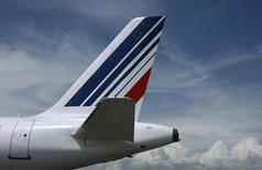 """Le conseil du Syndicat national des pilotes de ligne (SNPL) a approuvé jeudi la reprise des discussions avec la direction d'Air France sur le plan de transformation """"Transform 2020"""", /Photo d'archives/REUTERS/Eric Gaillard"""