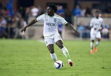 Seattle Sounders FC forward Obafemi Martins (9) controls the ball against the San Jose Earthquakes during the second half at Avaya Stadium.  Kelley L Cox-USA TODAY Sports