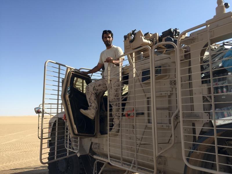 قوات خليجية بأحدث تكنولوجيا في صحراء اليمن