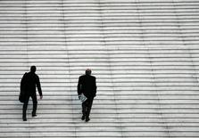 Le confiance des dirigeants de PME et ETI (entreprises de taille intermédiaire) s'est fortement améliorée pendant l'été en France et ils sont plus nombreux à anticiper une hausse de leur chiffre d'affaires dans les six mois, selon l'Observatoire OpinionWay-Banque Palatine-Challenges. /Photo d'archives/REUTERS/John Schults