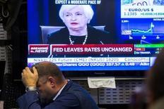 La Réserve fédérale américaine semble de plus en plus confrontée au risque de voir la nullité des taux s'imposer comme un nouveau point d'ancrage dont il s'avère beaucoup plus difficile de s'affranchir qu'elle ne le pensait. /Photo prise le 17 septembre 2015/REUTERS/Lucas Jackson