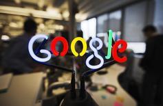 La Commission nationale de l'informatique et des libertés (Cnil) a rejeté un recours de Google, qui refuse d'étendre le droit à l'oubli à l'ensemble des versions de son moteur de recherche. /Photo d'archives/REUTERS/Mark Blinch