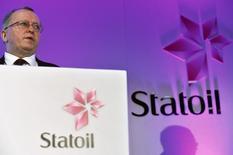 Le directeur général de Statoil, Eldar Saetre. Le géant pétrolier norvégien baissera ses effectifs de 20% entre le début de l'année 2015 et la fin de 2016, le groupe semblant ainsi accélérer les suppressions de postes. /Photo prise le 6 février 2015/REUTERS/Toby Melville
