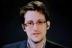 Snowden durante videoconferência sobre tratado de privacidade.  24/9/2015.  REUTERS/Andrew Kelly