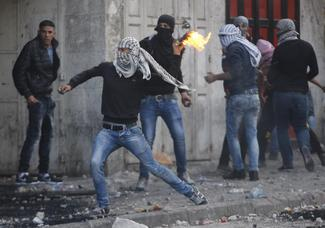 Israeli-Palestinian violence widens