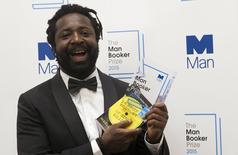 "Marlon James, autor de ""A Brief History of Severn Killings"", recebe prêmio. 13/10/2015.  REUTERS/Neil Hall"