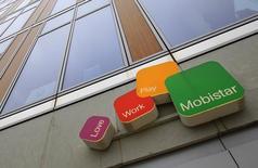 L'opérateur belge de téléphonie mobile Mobistar affiche des résultats bien meilleurs qu'attendus pour le troisième trimestre, qui lui permettront de dépasser ses objectifs sur l'ensemble de l'année. /Photo d'archives/REUTERS/Yves Herman