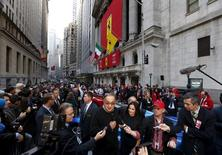 FCA Chief Executive and Ferrari Chairman Sergio Marchionne speaks to members of the media as he walks outside the New York Stock Exchange October 21, 2015.  REUTERS/Lucas Jackson