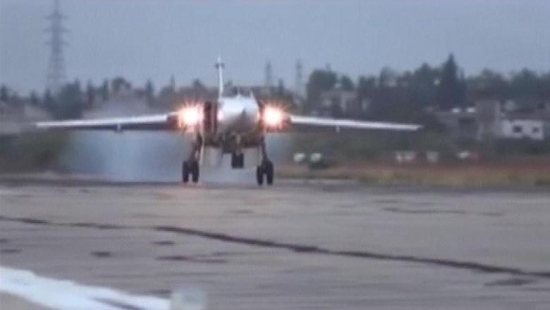 A frame grab taken from footage released by Russia's Defence Ministry October 15, 2015, shows a Sukhoi Su-24M military aircraft landing on the tarmac at the Hmeymim air base near Latakia, Syria.  REUTERS/Ministry of Defence of the Russian Federation/Handout via Reuters/Files