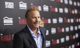 Costner durante evento em Hollywood. 9/2/2015.    REUTERS/Mario Anzuoni
