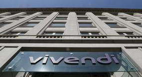 Vivendi annonce envisager d'acheter plus d'actions Ubisoft et Gameloft, et dit ne pas écarter la possibilité de prendre le contrôle des deux développeurs de jeux vidéos français dans les six prochains mois. Le groupe multimédia détient respectivement 10,39% et 10,20% des deux éditeurs, pour un investissement total de 278 millions d'euros. /Photo d'archives/REUTERS/Gonzalo Fuentes