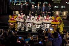 "U.S. actor Leonardo DiCaprio (L-R), James Packer, co-chairman of Melco Crown Entertainment, director Martin Scorsese, Lawrence Ho, chief executive officer of Melco Crown Entertainment, actor Robert De Niro and producer Brett Ratner, pose for photos after a news conference for the short film ""The Audition"" in Macau, China October 27, 2015.  REUTERS/Tyrone Siu"