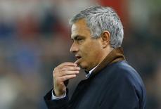 Técnico do Chelsea, José Mourinho, em partida contra o Stoke City, na Inglaterra.   27/10/2015 Reuters / Darren Staples Livepic