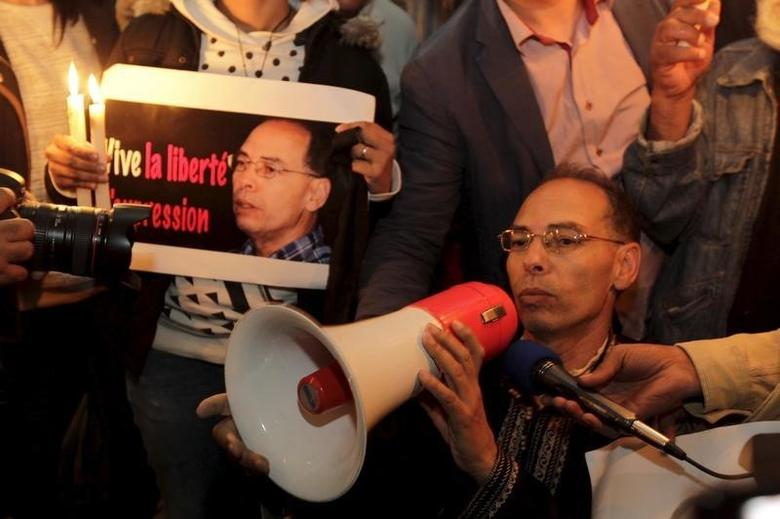 Maati Monjib, a professor of political history and African studies at the University of Rabat and a writer for national and international news organisations, and his supporters participate in a demonstration near the ''Moroccan Human Rights Association'' (AMDH) in Rabat October 28, 2015. REUTERS/Stringer