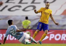Iniesta em jogo do Barcelona com o Celta de Vigo.  23/9/2015. REUTERS/Miguel Vidal